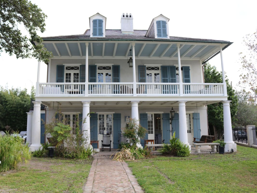 Plantation House - New Orleans 1784 - Restored using Type A